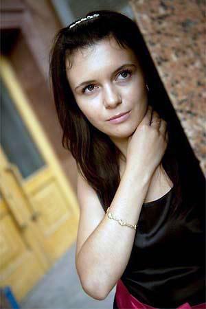 Meet Luzia 23 yo – Single Russian woman